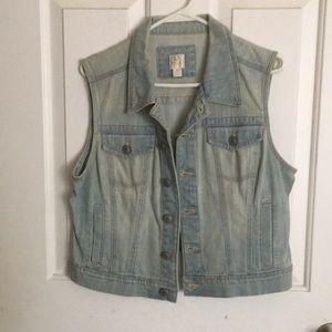 LC Lauren Conrad jean vest size medium